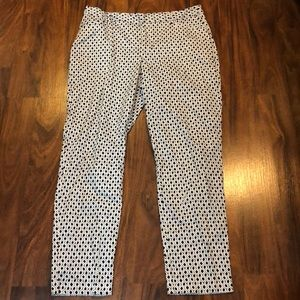 Black and white ankle pants in EUC size 8